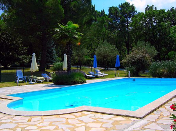 Location villa piscine vaucluse