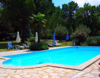 piscine grande villa provence